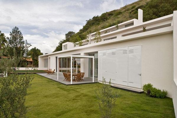 facade-Mountain-House-modern-design