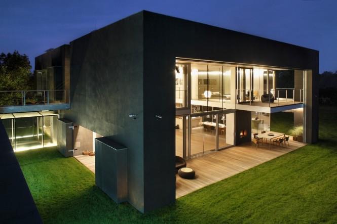 house-at-night-665x443