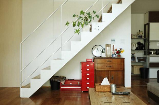 modern-staircase-700x464