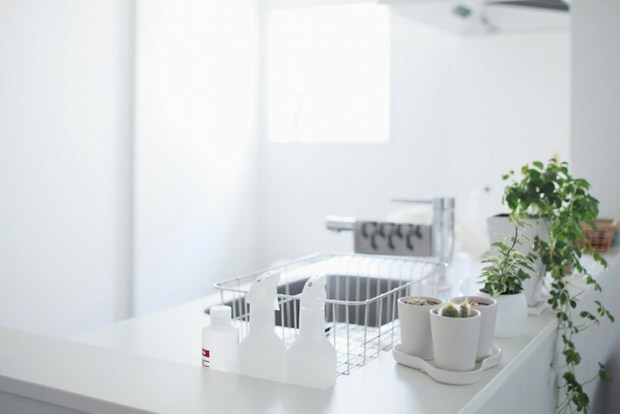 modern-white-kitchen-700x467