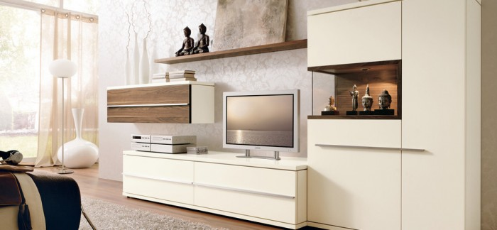 modern-white-living-space-700x324