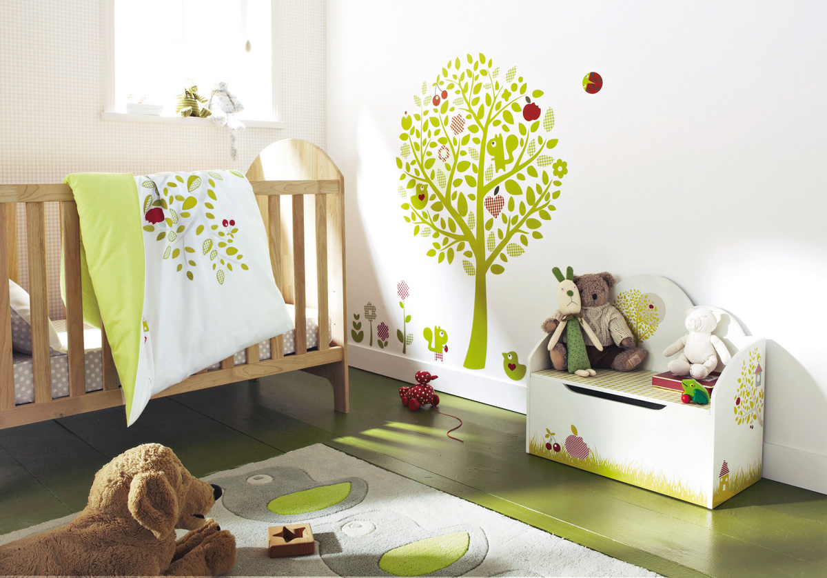 white-and-choosing-colors-combination-for-interior-design-baby-room (1)